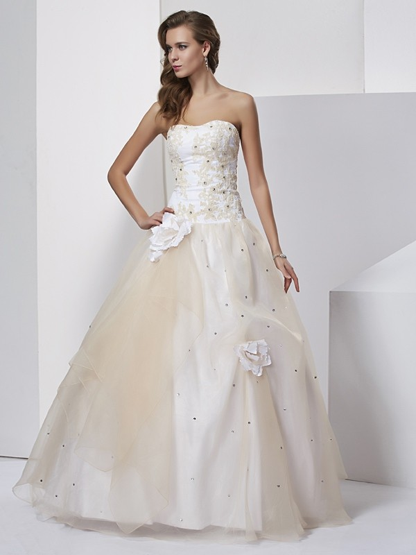 Ball Gown Sweetheart Sleeveless Hand-Made Flower Long Tulle Quinceanera Dresses