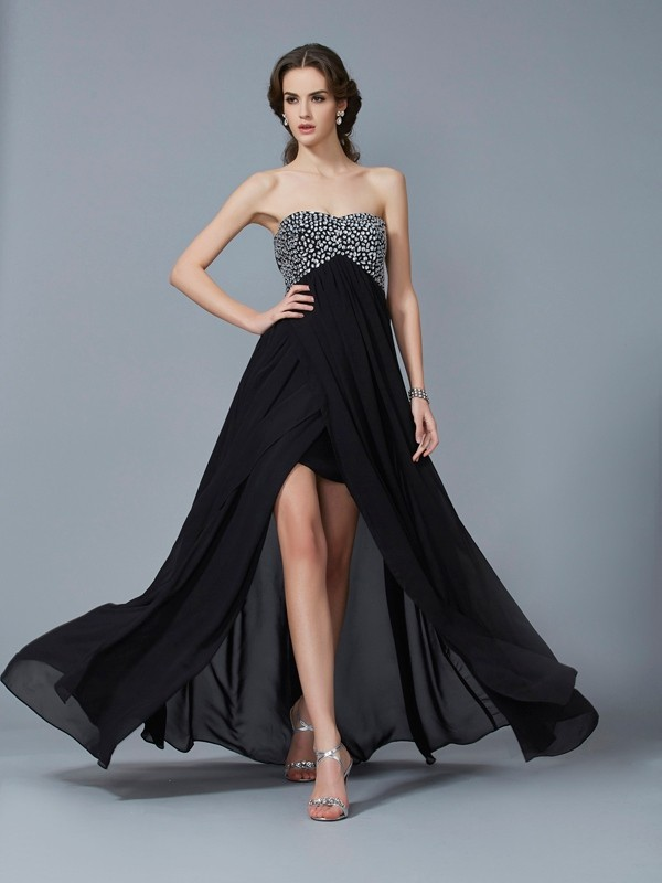 A-Line/Princess Sweetheart Sleeveless Chiffon Beading Long Dresses