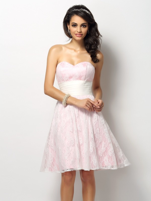 A-Line/Princess Sweetheart Lace Sleeveless Short Satin Bridesmaid Dresses
