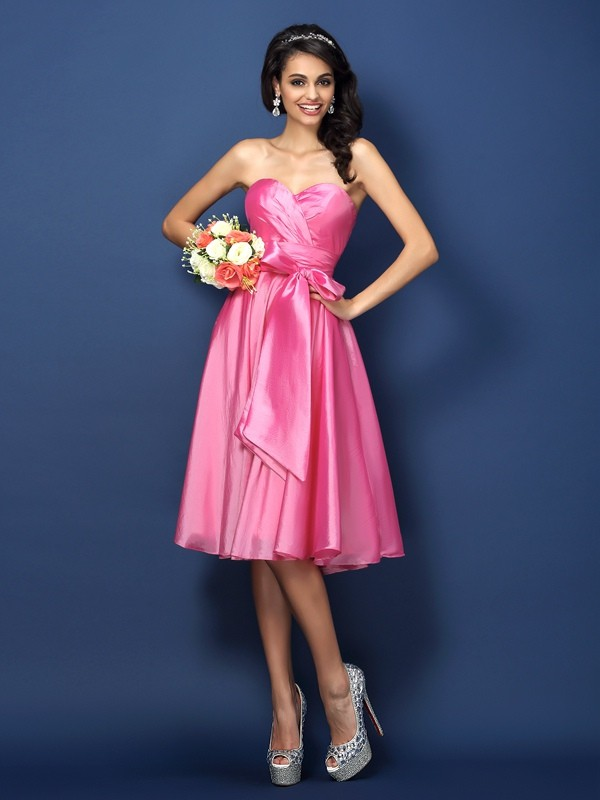 A-Line/Princess Sweetheart Bowknot Sleeveless Short Taffeta Bridesmaid Dresses