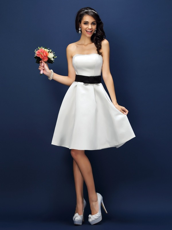 A-Line/Princess Strapless Sash/Ribbon/Belt Sleeveless Short Satin Bridesmaid Dresses