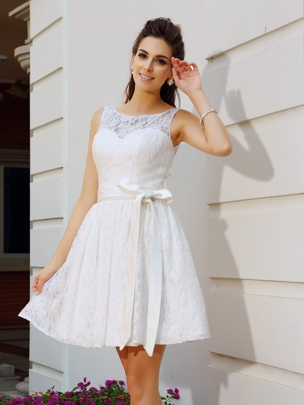 A-Line/Princess Scoop Sash/Ribbon/Belt Sleeveless Short Lace Cocktail Dresses