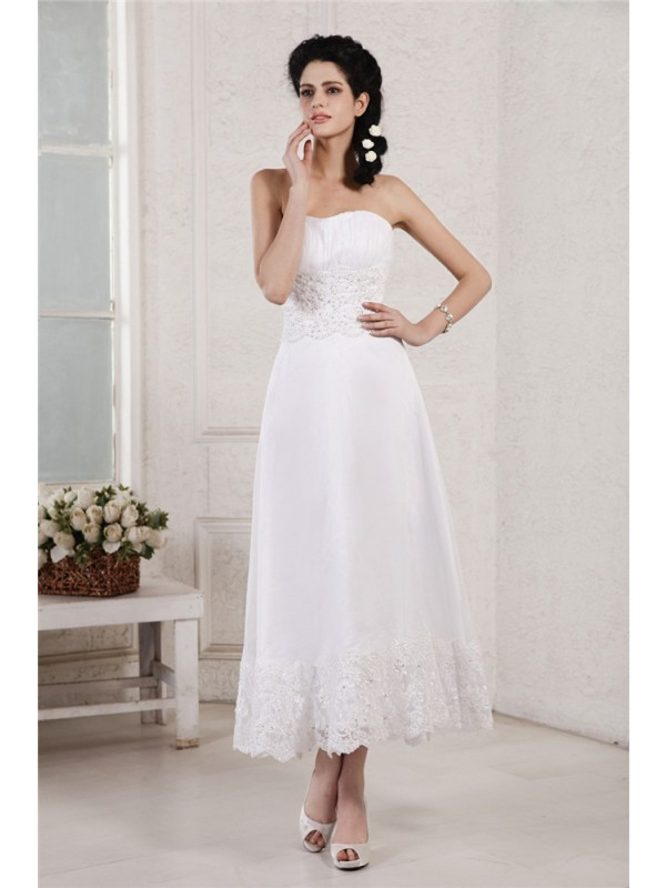 A-Line/Princess Strapless Sleeveless Pleats Applique Beading Short Chiffon Wedding Dresses