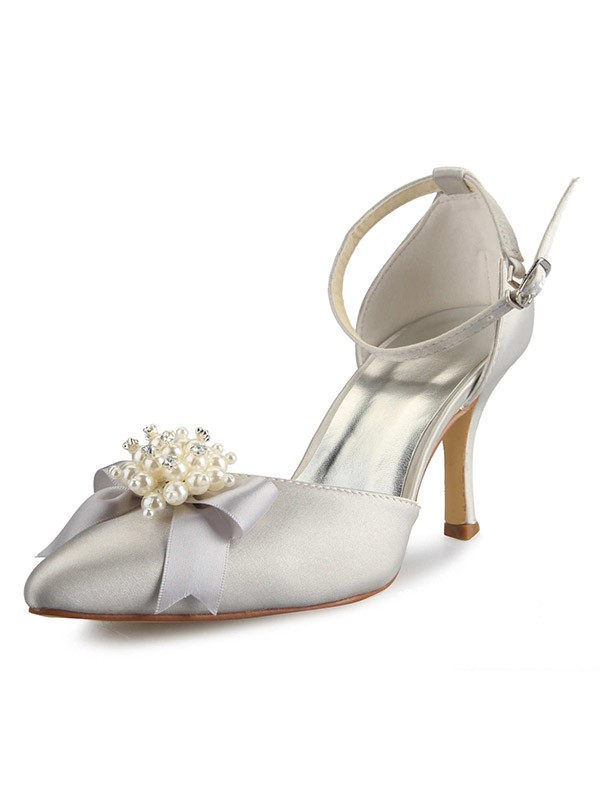 Women's Spool Heel Satin Closed Toe With Pearl Bowknot White Wedding Shoes