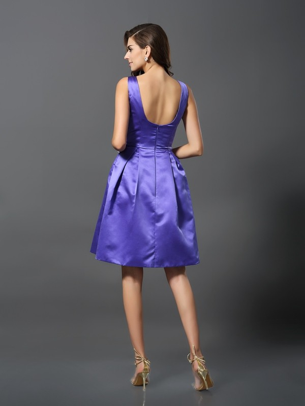 A-Line/Princess Scoop Sleeveless Short Satin Bridesmaid Dresses