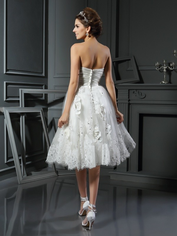 A-Line/Princess Sweetheart Ruched Sleeveless Short Satin Wedding Dresses