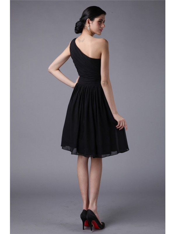 Sheath/Column One-Shoulder Sleeveless Pleats Short Chiffon Bridesmaid Dresses